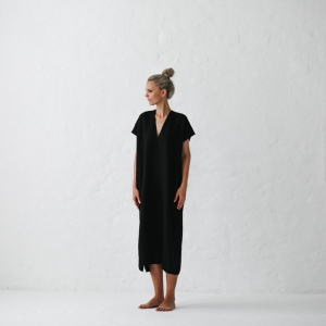 Linen dress V neck black