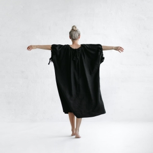 Linen loose dress black